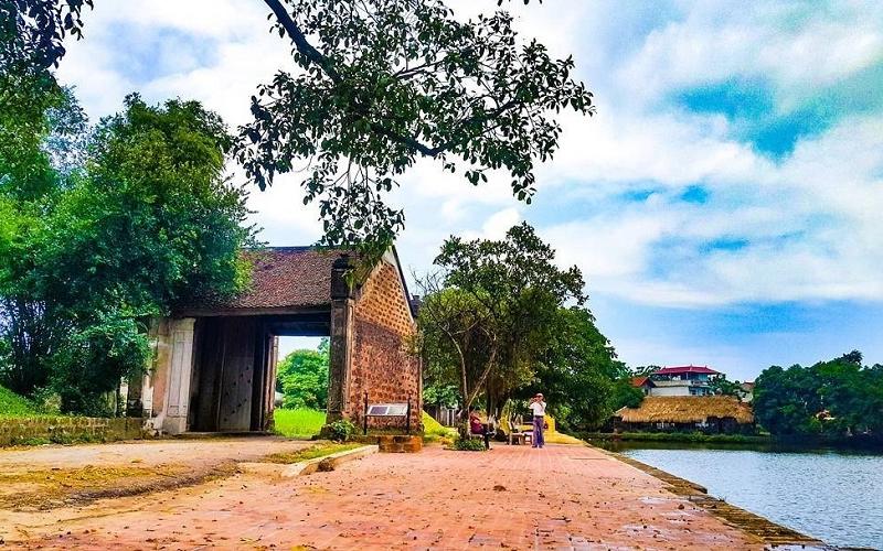 Đường Lâm đến nay vẫn giữ được vẻ đẹp của làng quê Bắc Bộ truyền thống.